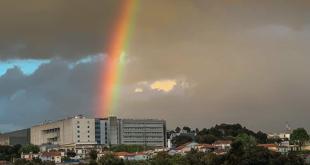 Arco-íris de esperança pinta céu em Braga