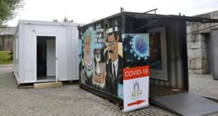 Pais exigem retirada de contentores de rastreio à Covid-19 junto a zona escolar em Braga