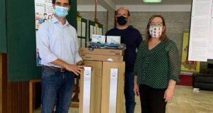 São Victor dá dispensadores de álcool gel e termómetros infravermelhos às escolas