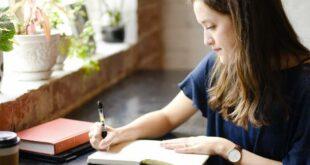 UMinho estuda relação entre escrita e sofrimento em estudantes universitários