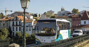 Estudantes do Secundário de Barcelos voltam a ter transporte escolar gratuito
